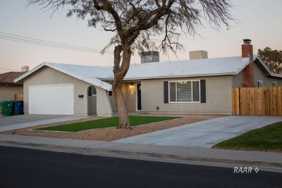 Inyo County, Kern County, Tulare County Single Family Home For Sale: 506 S Alvord St