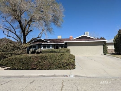 Inyo County, Kern County, Tulare County Single Family Home For Sale: 332 Perdew Ave