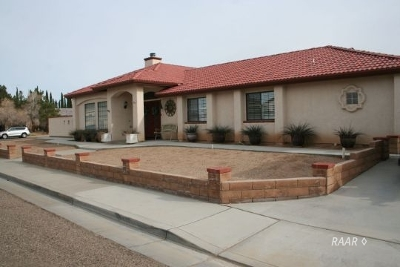 Inyo County, Kern County, Tulare County Single Family Home For Sale: 1101 Judy Way