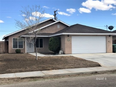 Inyo County, Kern County, Tulare County Single Family Home For Sale: 1128 Porter St