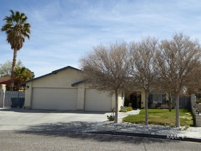 Ridgecrest Single Family Home For Sale: 724 James St