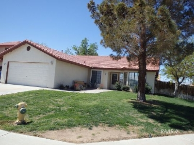 Inyo County, Kern County, Tulare County Single Family Home For Sale: 1221 Mandy Ct