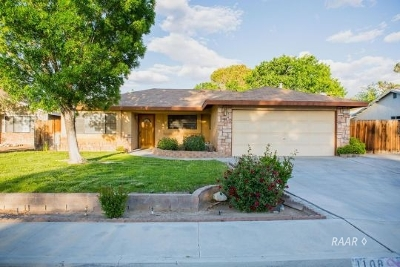 Inyo County, Kern County, Tulare County Single Family Home For Sale: 1108 N Inyo St