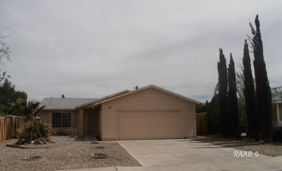 Inyo County, Kern County, Tulare County Single Family Home For Sale: 1328 S Porter St