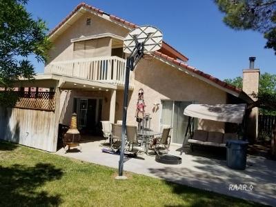 Ridgecrest Single Family Home For Sale: 2113 S Del Rosa Dr