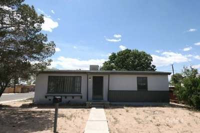 Inyo County, Kern County, Tulare County Single Family Home For Sale: 401 N Alvord St