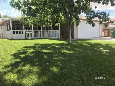 Inyo County, Kern County, Tulare County Single Family Home For Sale: 408 Fountain St
