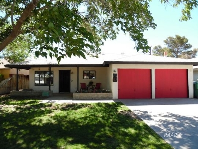 Inyo County, Kern County, Tulare County Single Family Home For Sale: 221 S Broadway