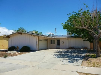 Inyo County, Kern County, Tulare County Single Family Home For Sale: 230 Sierra Vista St