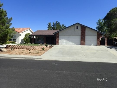 Inyo County, Kern County, Tulare County Single Family Home For Sale: 219 W Cielo Ave