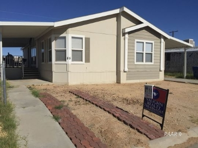 Inyo County, Kern County, Tulare County Single Family Home For Sale: 620 W Upjohn Ave #Space
