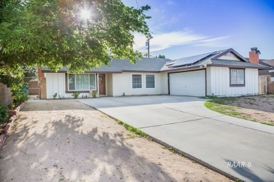 Inyo County, Kern County, Tulare County Single Family Home For Sale: 519 S Fairview St