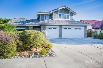 Inyo County, Kern County, Tulare County Single Family Home For Sale: 331 W Pilgrim Cir