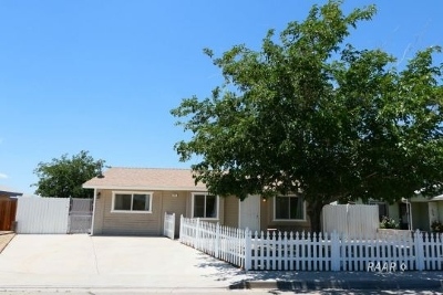 Inyo County, Kern County, Tulare County Single Family Home For Sale: 809 S Sunset