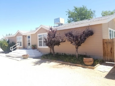 Inyo County, Kern County, Tulare County Single Family Home For Sale: 4044 Johnston Ave