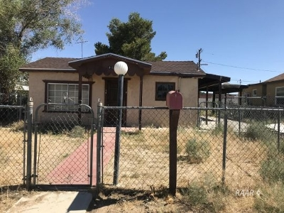 Inyo County, Kern County, Tulare County Single Family Home For Sale: 413 W Haloid Ave