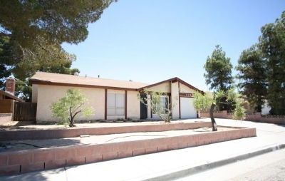 Inyo County, Kern County, Tulare County Single Family Home For Sale: 328 Dawn Ct