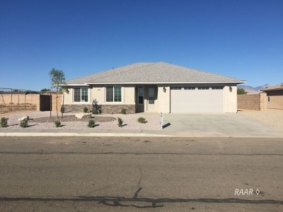 Inyo County, Kern County, Tulare County Single Family Home For Sale: 321 Abigail St