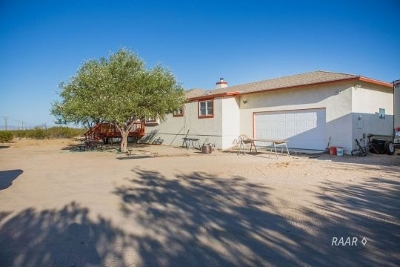 Inyo County, Kern County, Tulare County Single Family Home For Sale: 8459 Leliter Rd