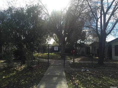 Sacramento County Multi Family Home For Sale: 770 Bowles Street