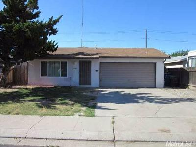 Manteca Single Family Home For Sale: 615 Connie Court