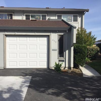 Woodland CA Condo For Sale: $275,000