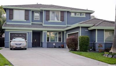 Sacramento Single Family Home For Sale: 3927 Bilsted Way
