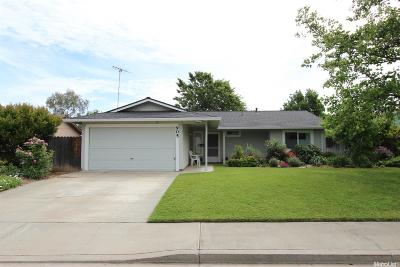 Winters Single Family Home Sold: 905 Valley Oak Drive