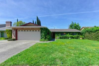 Carmichael Single Family Home For Sale: 4883 Thousand Oaks Court