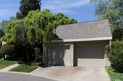 Single Family Home Active Short Cont.: 453 Wyndgate Rd