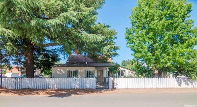 Lockeford Single Family Home For Sale: 19870 North Cotton Street