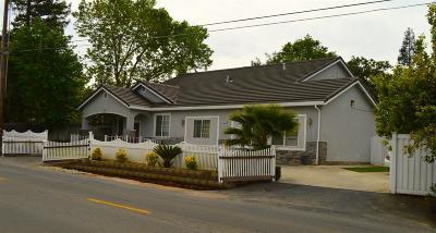 Carmichael Single Family Home For Sale: 5712 Locust Avenue