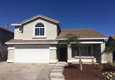 Elk Grove Single Family Home For Sale: 9053 Willowberry Way