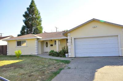 Rancho Cordova Single Family Home For Sale: 2626 Cabernet Way