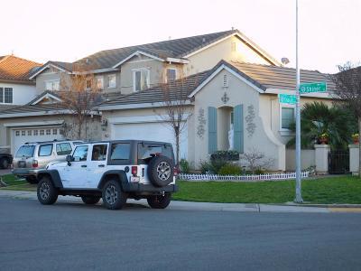 Elk Grove CA Single Family Home For Sale: $389,000