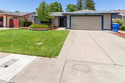 Sacramento Single Family Home For Sale: 4528 Windcloud Avenue