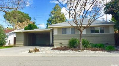 Davis Single Family Home For Sale: 940 Acacia Lane