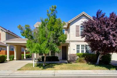 Elk Grove Single Family Home For Sale: 5509 Claudied Way