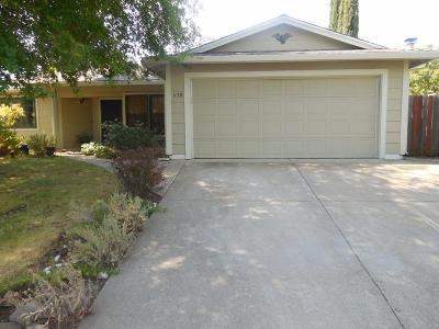 Roseville Single Family Home For Sale: 630 Hanisch Drive