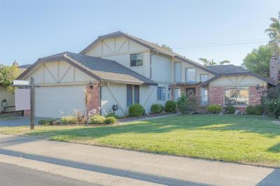 Roseville Single Family Home For Sale: 294 Walton Way