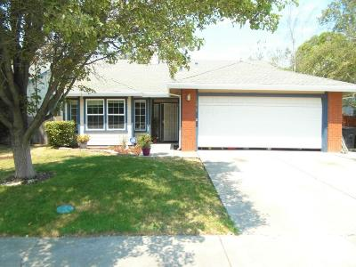 Elk Grove Single Family Home For Sale: 5819 Adobe Spring Way