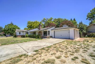 Sacramento Single Family Home For Sale: 4144 Lagunita Court
