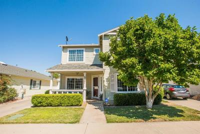 Elk Grove Single Family Home For Sale: 6761 Alamar Way