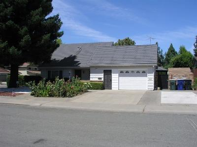 Sacramento Single Family Home For Sale: 8077 Caribbean Way