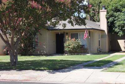 Lodi Single Family Home For Sale: 627 North Pleasant