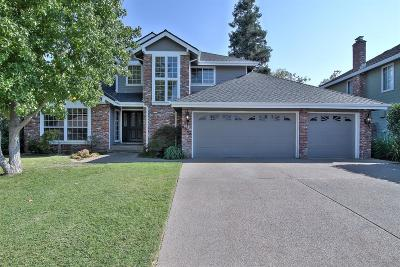 Elk Grove, Galt Single Family Home For Sale: 8858 Garrison Court