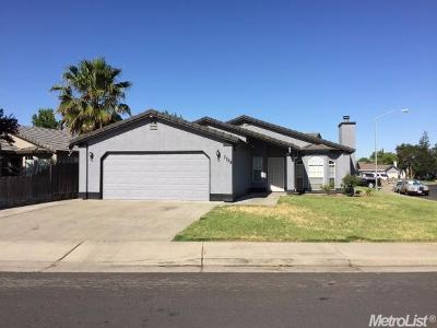 Hilmar Single Family Home For Sale: 7755 Irwin Court