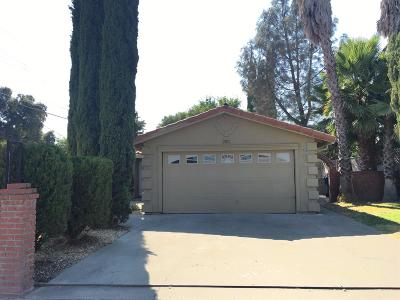 Sacramento Single Family Home For Sale: 2701 Grove Avenue