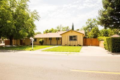 Sacramento Single Family Home For Sale: 3604 Robertson Avenue