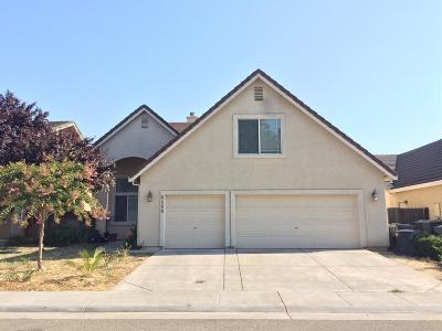 Sacramento CA Single Family Home For Sale: $450,000